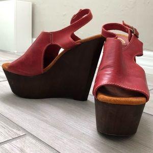 Sbicca Vintage Red Leather Tullane Platform Wedge